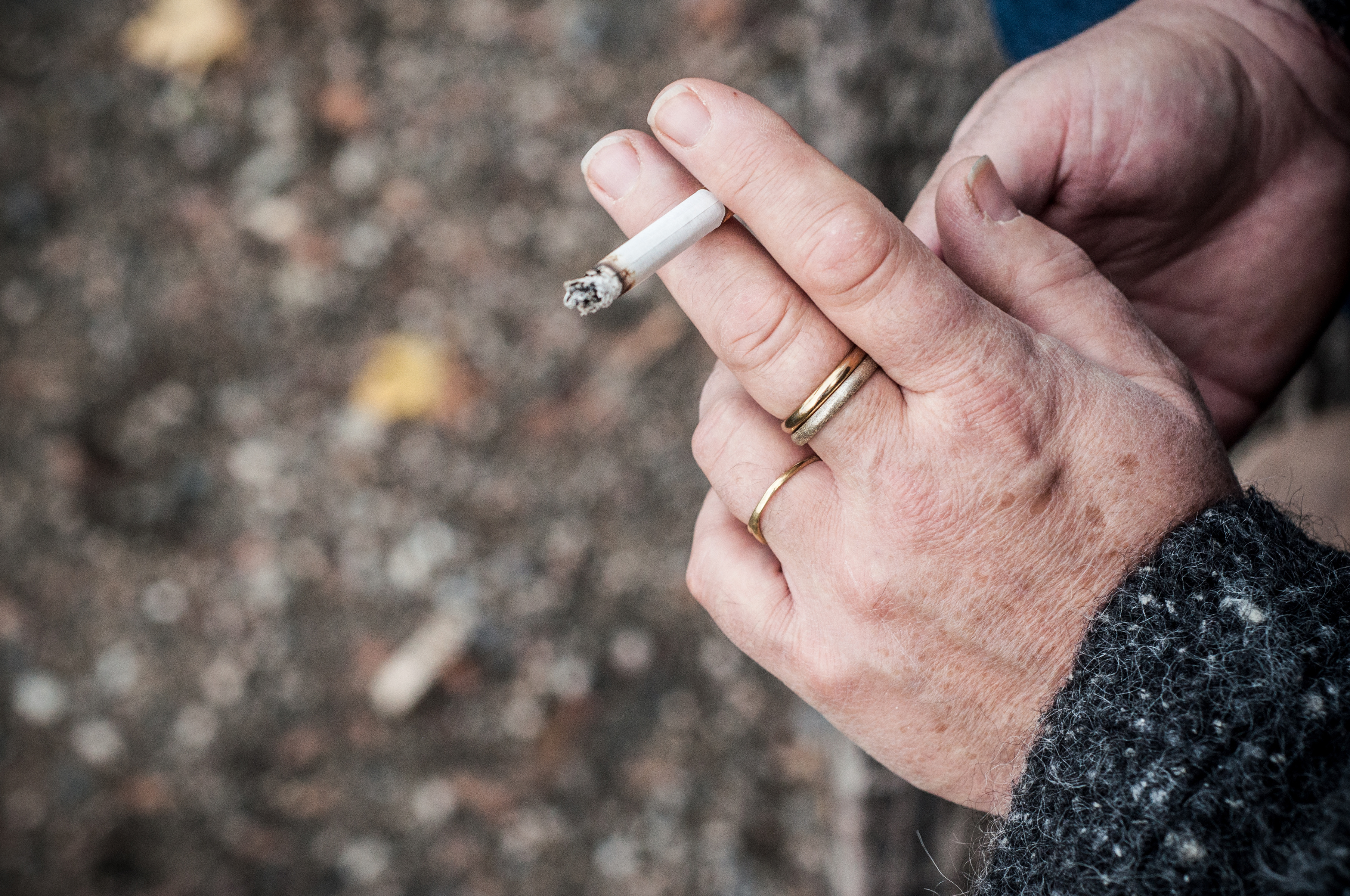 smoking hands