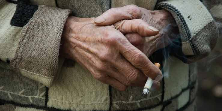 Low income Americans smokers