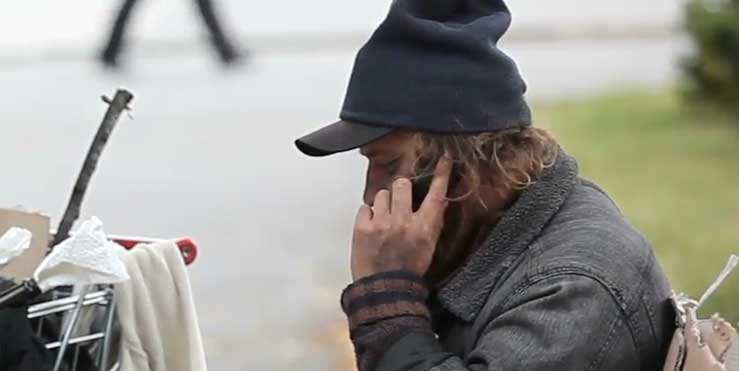 Smartphones give the homeless access to need services - Healthify